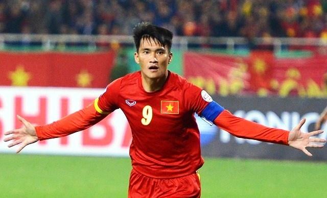 Cong Vinh vao top 5 ung vien tranh QBV Viet Nam 2015 hinh anh