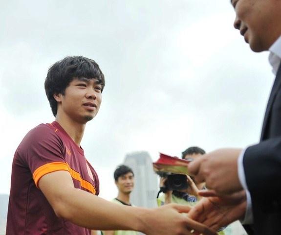 Thuong Tet VDV: Cho gan tram trieu, noi vai tram ngan hinh anh