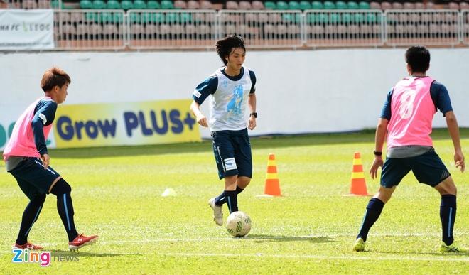 Tuan Anh chua hai long voi phong do tai Yokohama FC hinh anh 4