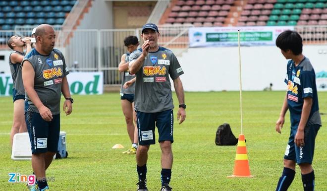 Tuan Anh chua hai long voi phong do tai Yokohama FC hinh anh 6