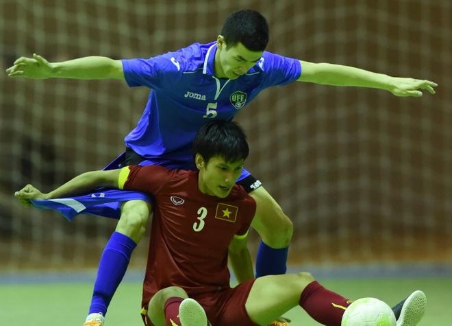 Futsal Viet Nam bat dau giac mo World Cup bang tran hoa 3-3 hinh anh