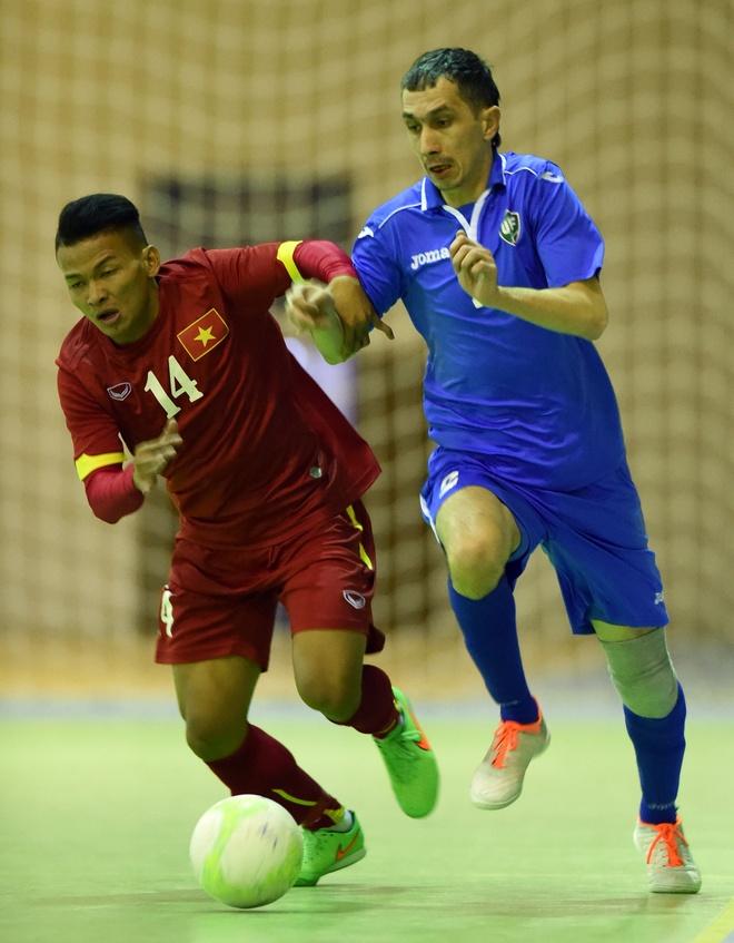 Tuyen futsal Viet Nam ran banh chung an tet tai Uzbekistan hinh anh 8