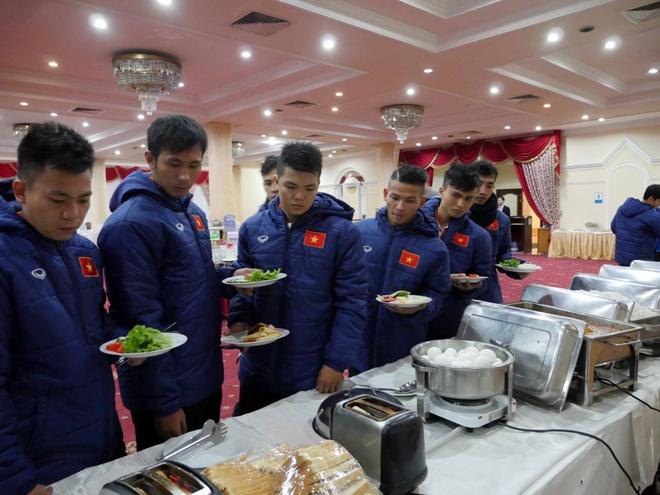 Tuyen futsal Viet Nam ran banh chung an tet tai Uzbekistan hinh anh 1