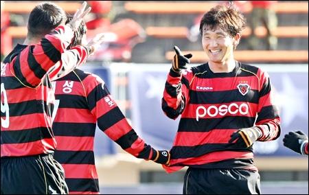Doi bong bau Hien chia tay AFC Champions League hinh anh
