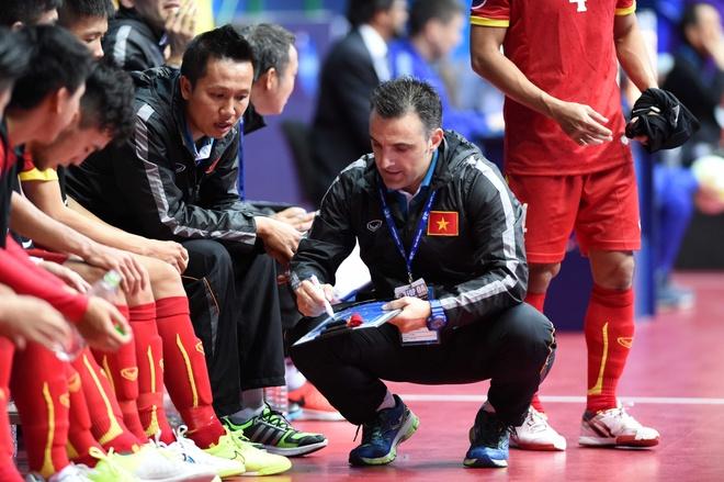 'Futsal Viet Nam chua duoi kip Thai Lan, Nhat Ban' hinh anh 1