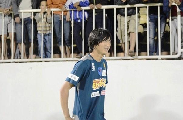 Tuan Anh muon ghi ban cho Yokohama hinh anh