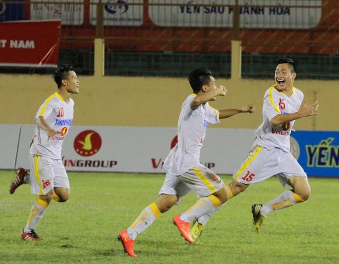 Doi bong tre cua bau Hien vao chung ket giai U19 quoc gia hinh anh 1