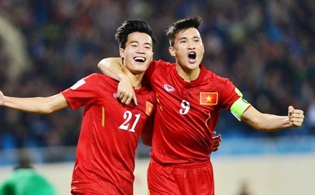 Cac doi Dong Nam A chay dua sau khi Thai Lan nhuong AFF Cup hinh anh