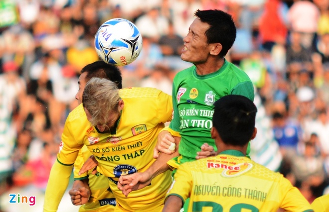 Can Tho thang dam Dong Thap tai V.League anh 1