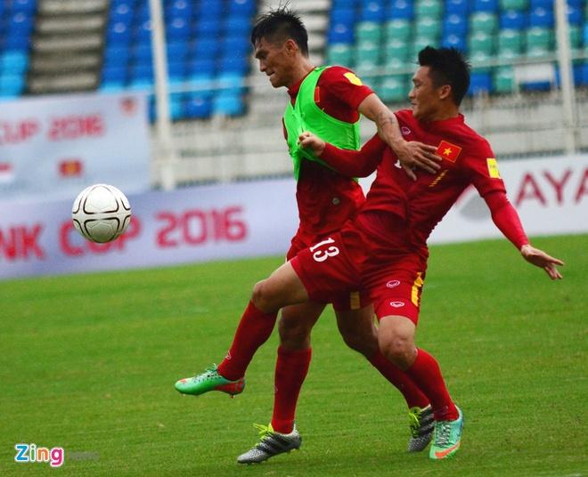 Cong Phuong kho thi dau, tuyen Viet Nam tap da penalty hinh anh 5