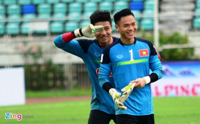 Cong Phuong kho thi dau, tuyen Viet Nam tap da penalty hinh anh 6