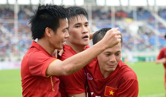 Chung ket Viet Nam vs Singapore: Tan cong de vo dich hinh anh