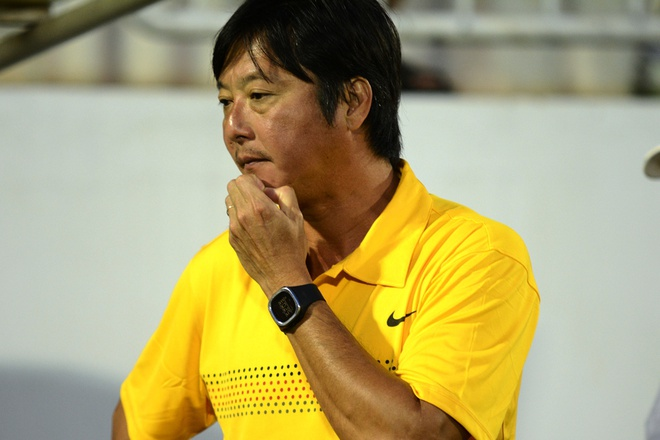 HLV Huynh Duc thua nhan SHB.Da Nang danh gia thap HAGL hinh anh