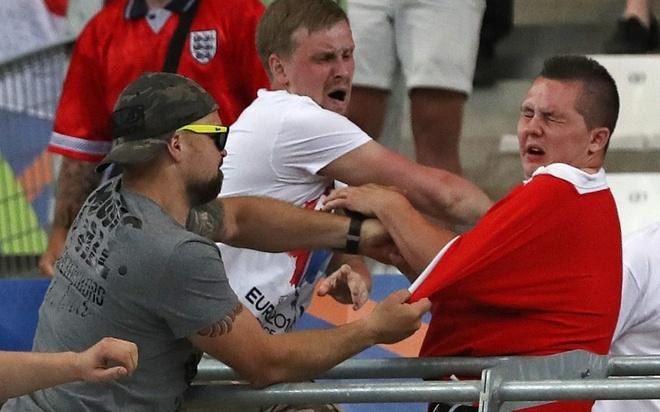 UEFA de doa loai Anh va Nga khoi Euro 2016 hinh anh
