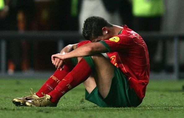 7 khoanh khac dang nho cua Ronaldo cung tuyen Bo Dao Nha hinh anh 3