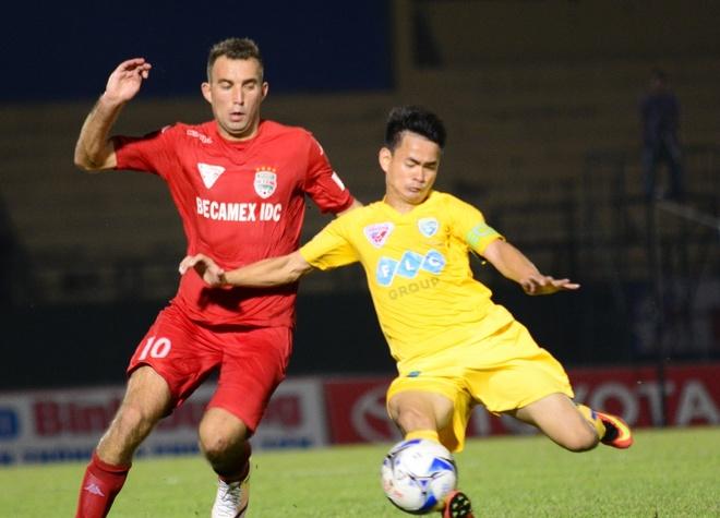 Trong Hoang nhan the do, Binh Duong thua Thanh Hoa 0-3 hinh anh