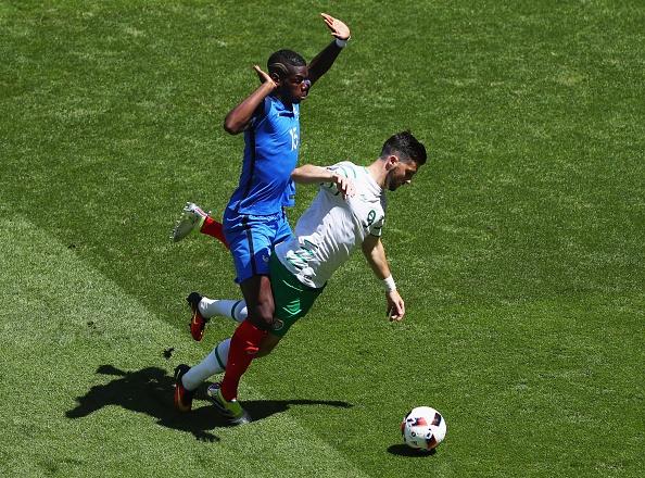 Trong tai Nicola Rizzoli ban linh khi thoi penalty hinh anh