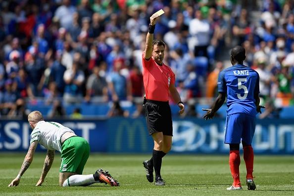 Trong tai Nicola Rizzoli ban linh khi thoi penalty hinh anh 1