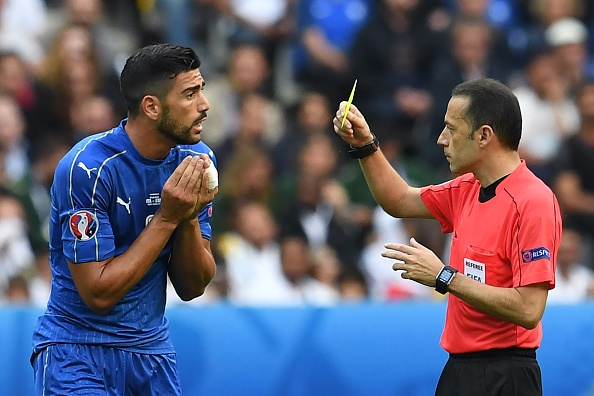 11 cau thu Italy doi mat an treo gio hinh anh