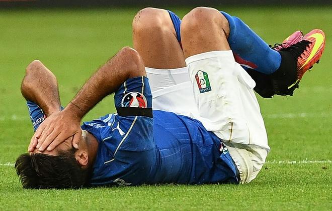 Tuyen Italy tuong nho cac nan nhan o Bangladesh hinh anh