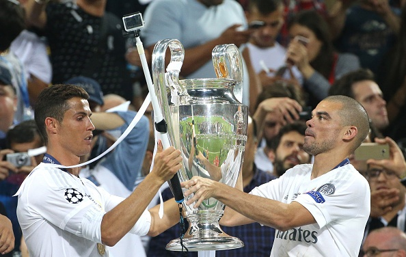 Nhieu ky luc dang cho Ronaldo pha tai chung ket Euro hinh anh 1
