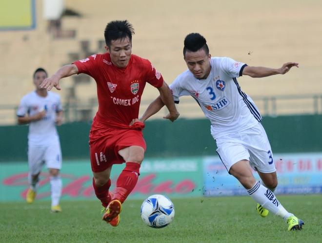Doi bong cua HLV Le Huynh Duc len dan dau V.League hinh anh 1