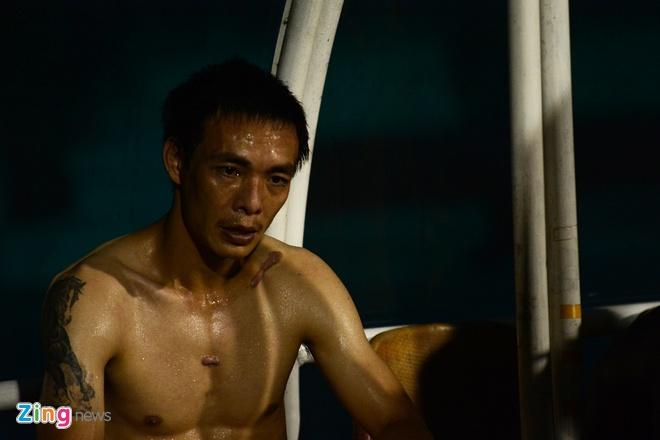 Cau thu Hai Phong lao vao danh nhau sau tran thua Can Tho hinh anh 6