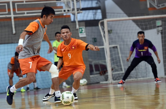 Tuyen futsal Viet Nam tap buoi dau tien tai Colombia hinh anh