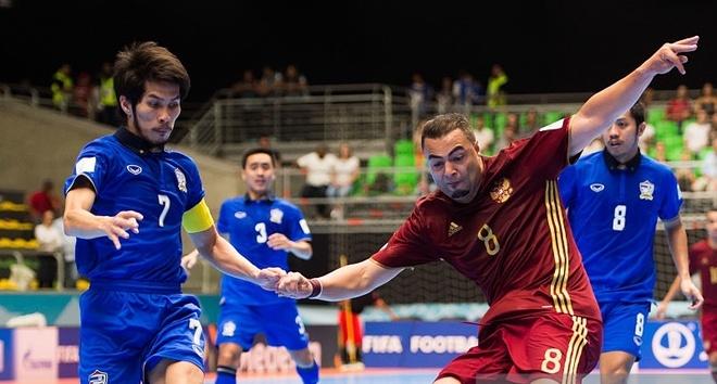 Tuyen futsal Thai Lan thua Nga 4-6 hinh anh