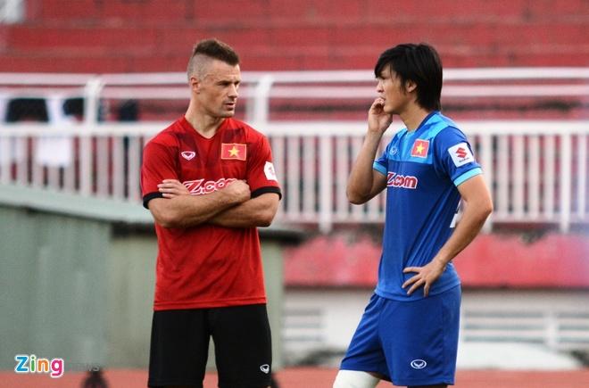 Tuyen Viet Nam len duong du AFF Cup anh 6