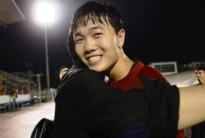 Gangwon FC se co xe hoi, nha rieng cho Xuan Truong hinh anh