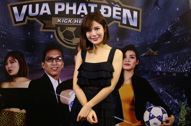 Tu Linh lam MC game show Vua phat den hinh anh