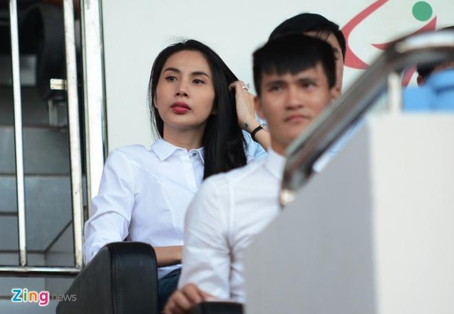 Cap vo chong Cong Vinh - Thuy Tien anh 6