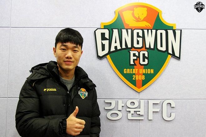 Xuan Truong co cu dup kien tao giup Gangwon dai thang hinh anh