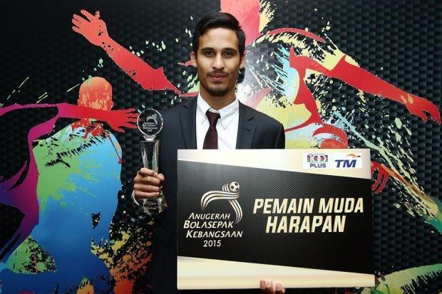 Malaysia mang cau thu tre hay nhat sang dau U23 Viet Nam hinh anh