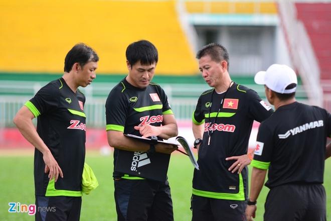 Cong Phuong, Tuan Tai an y tren hang cong U23 Viet Nam hinh anh 1