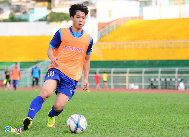 Cong Phuong, Tuan Tai an y tren hang cong U23 Viet Nam hinh anh 4