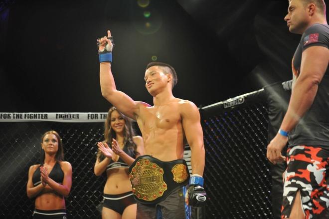Vo si UFC goc Viet ha knock-out doi thu sau 25 giay hinh anh