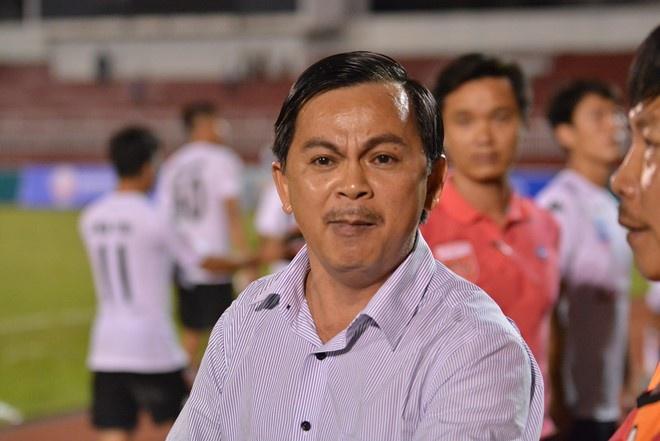 Bau Thang: 'Trong tai V.League sai sot qua nhieu' hinh anh 1