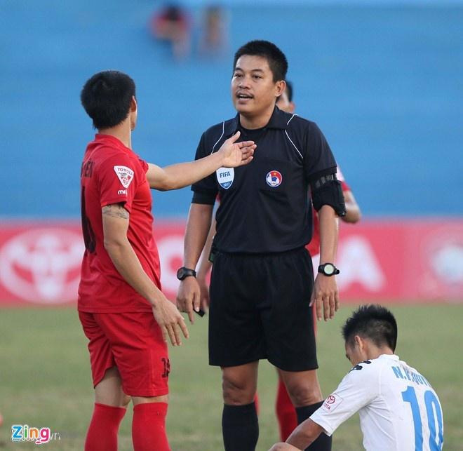 Bau Thang: 'Trong tai V.League sai sot qua nhieu' hinh anh 2