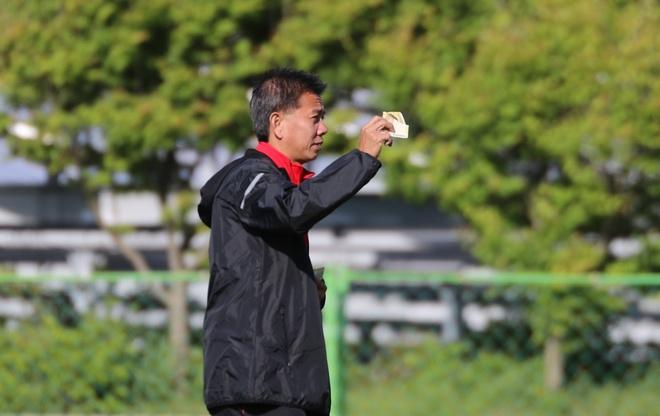 HLV U20 Viet Nam treo tien thuong de khich le hoc tro hinh anh 3