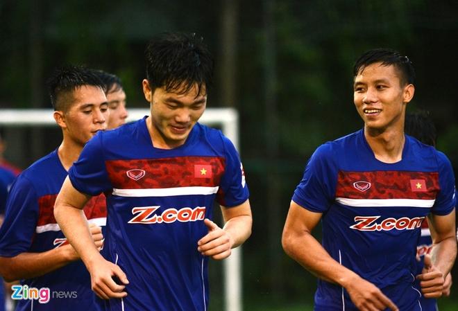 Cong Phuong, Xuan Truong thi nhau ghi ban tren san tap hinh anh 6