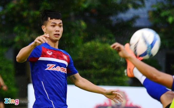 Cong Phuong, Xuan Truong thi nhau ghi ban tren san tap hinh anh 2