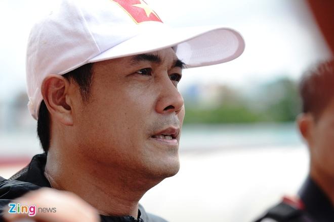 HLV Huu Thang: 'Dung nghi cau thu U20 khong du tam khoac ao DTQG' hinh anh 1