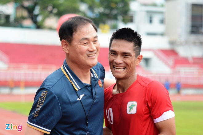 HLV Gangwon: 'Toi tiec vi khong dung duoc Xuan Truong nhieu hon' hinh anh 2