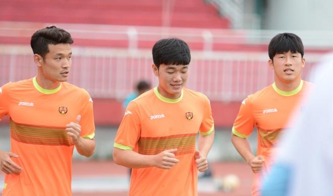 Nhom Berry Good khuay dong tran Tuyen TP.HCM vs Gangwon hinh anh 7