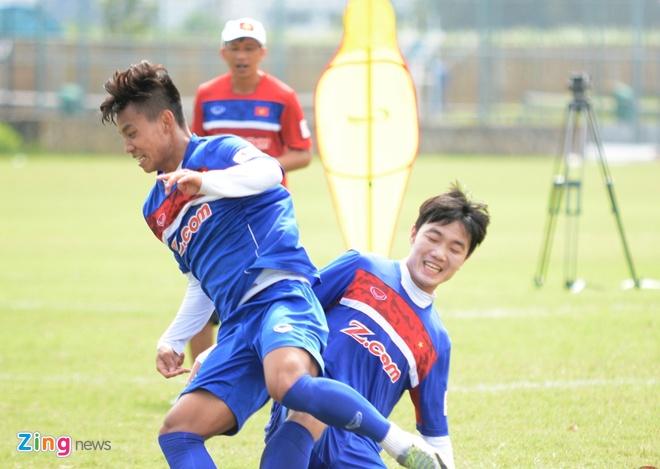 Xuan Truong khien Van Thanh 'tat dien' tren san tap hinh anh 4