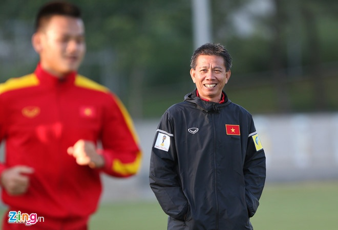 HLV Hoang Anh Tuan tai xuat cung U18 Viet Nam hinh anh 1