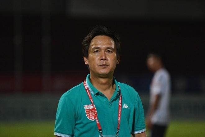 HLV Minh Phuong than troi vi Long An lai thua phut cuoi hinh anh