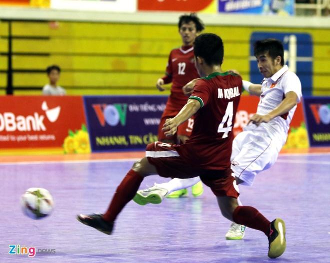 Con 32 giay, futsal Viet Nam ghi ban danh bai Indonesia 4-3 hinh anh 9